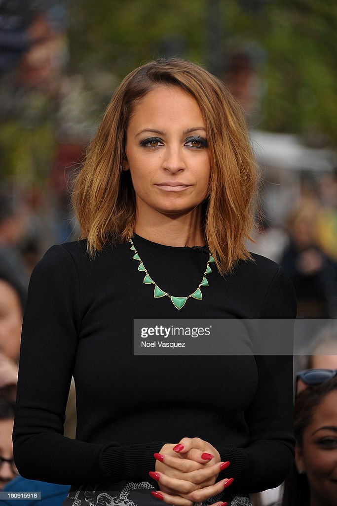 <a gi-track='captionPersonalityLinkClicked' href=/galleries/search?phrase=Nicole+Richie&family=editorial&specificpeople=201646 ng-click='$event.stopPropagation()'>Nicole Richie</a> visits Extra at The Grove on February 7, 2013 in Los Angeles, California.