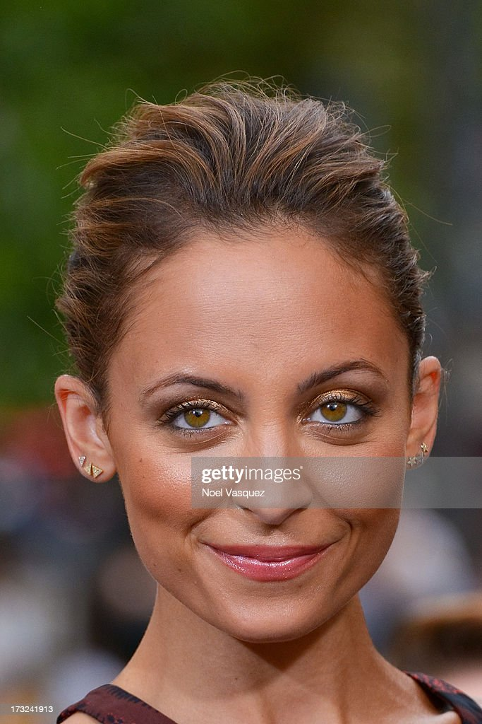 <a gi-track='captionPersonalityLinkClicked' href=/galleries/search?phrase=Nicole+Richie&family=editorial&specificpeople=201646 ng-click='$event.stopPropagation()'>Nicole Richie</a> visits 'Extra' at The Grove on July 10, 2013 in Los Angeles, California.