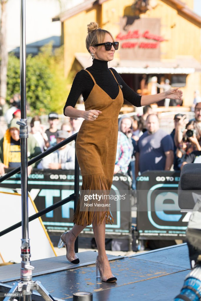 Nicole Richie visits 'Extra' at Universal Studios Hollywood on October 5, 2017 in Universal City, California.
