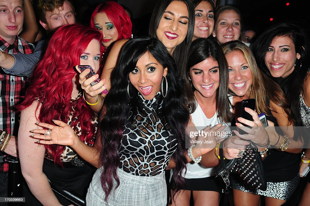 Nicole 'Snooki' Polizzi arrives at Seminole Hard Rock Hotel & Casino ? Hard Rock Cafe Hollywood on June 7, 2013 in Hollywood, Florida.