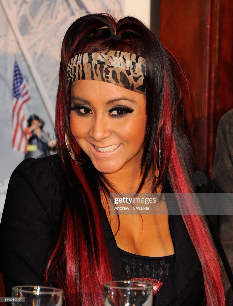Nicole 'Snooki' Polizzi attends the Team Snooki Boxing press conference at McFadden's Saloon on January 12, 2012 in New York City.