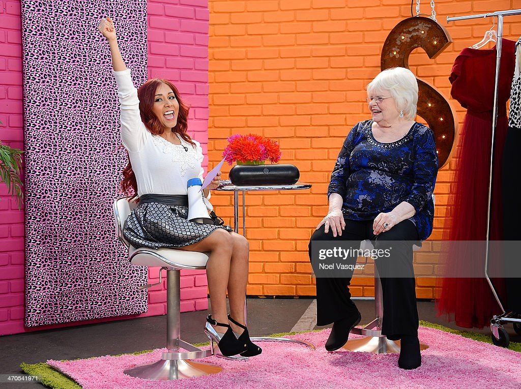 Nicole 'Snooki' Polizzi (L) interviews June Squibb for her new show at 'Extra' at Universal Studios Hollywood on February 19, 2014 in Universal City, California.