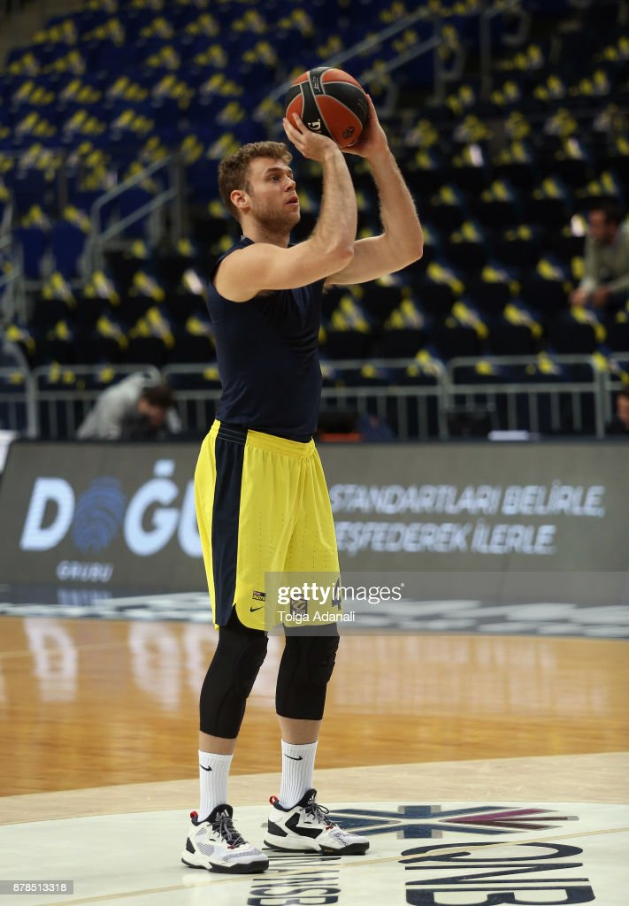 Fenerbahce Dogus istanbul v Khimki Moscow Region - Turkish Airlines EuroLeague