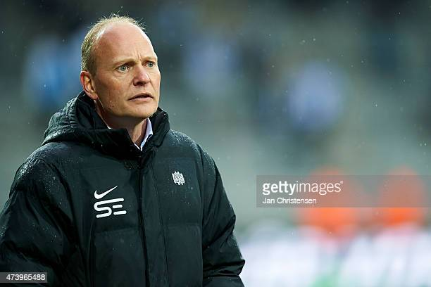 Niels Frederiksen head coach of Esbjerg FB looks on during the Danish Alka Superliga match between FC Nordsjalland and Esbjerg fB at Farum Park on...