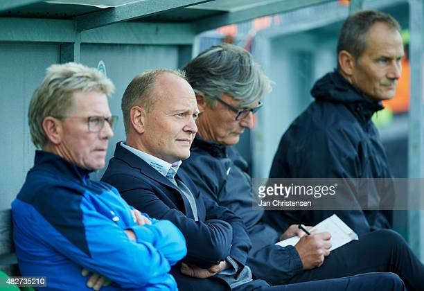 Niels Frederiksen head coach of Esbjerg fB looks on during the Danish Alka Superliga match between Viborg FF and Esbjerg fB at Energi Viborg Arena on...