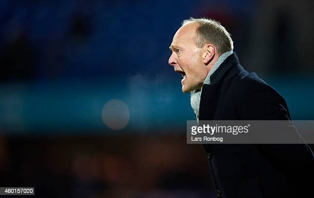 Niels Frederiksen head coach of Esbjerg FB shouts instructions during the Danish Superliga match between Esbjerg FB and FC Nordsjalland at Blue Water...