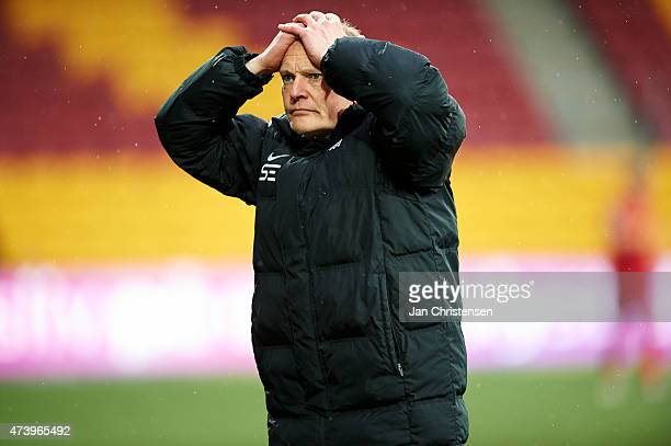 Niels Frederiksen head coach of Esbjerg FB show fustration during the Danish Alka Superliga match between FC Nordsjalland and Esbjerg fB at Farum...