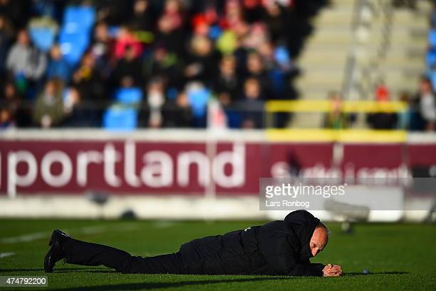 Niels Frederiksen head coach of Esbjerg fB shows frustration on the ground during the Danish Alka Superliga match between AaB Aalborg and Esbjerg fB...