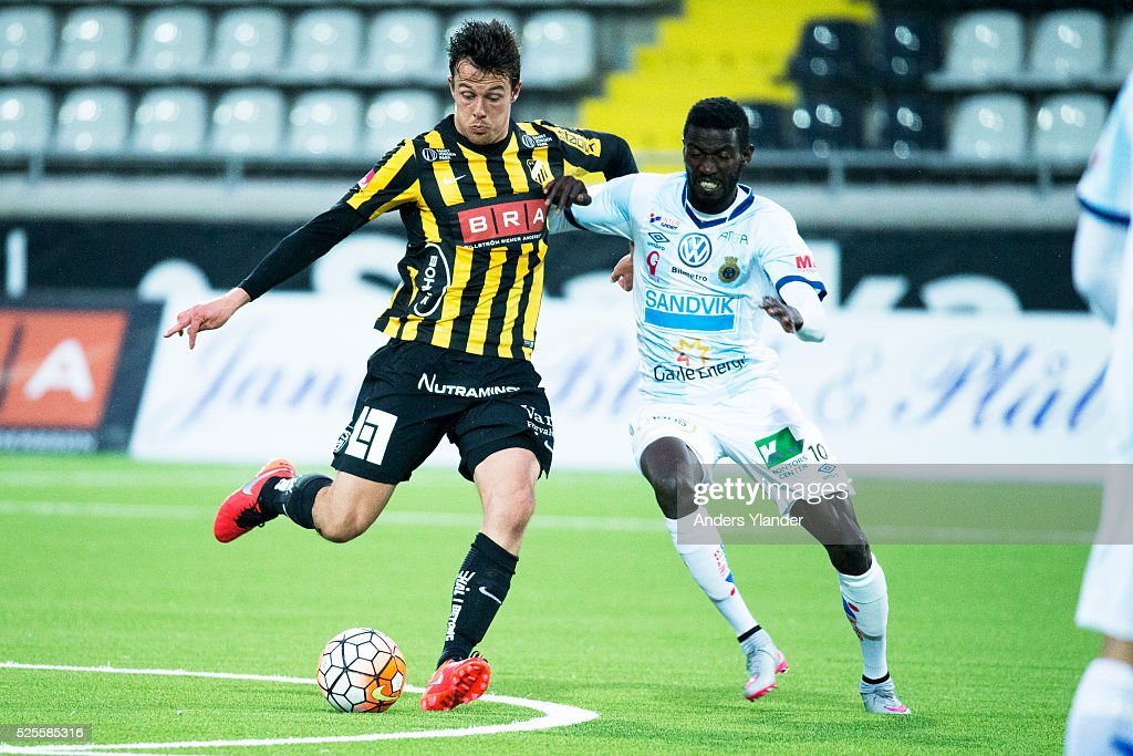 Niels Vorthoren of BK Hacken and Dioh Williams of Gefle IF competes for the ball during the Allsvenskan match between BK Hacken and Gefle IF at Bravida Arena on April 28, 2016 in Gothenburg, Sweden.