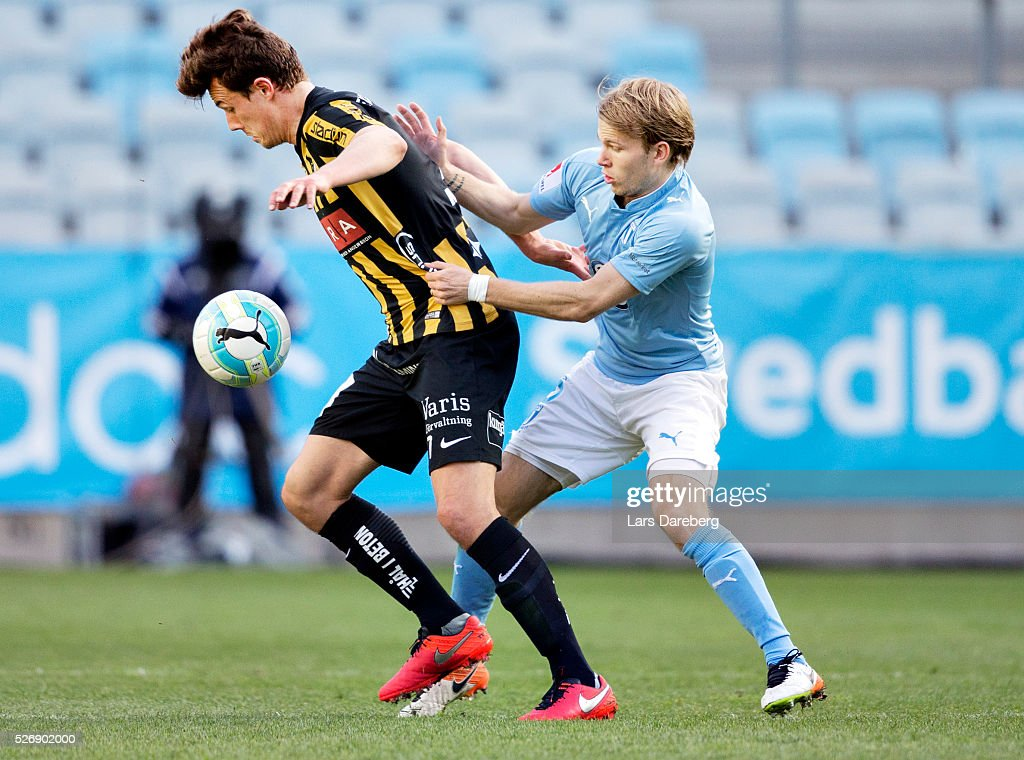 Niels Vorthoren of BK Hacken and Oscar Lewicki of Malmo FF during the Allsvenskan match between Malmo FF and BK Hacken at Swedbank Stadion on May 1, 2016 in Malmo, Sweden.