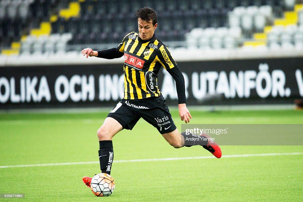 Niels Vorthoren of BK Hacken controls the ball during the Allsvenskan match between BK Hacken and Gefle IF at Bravida Arena on April 28, 2016 in Gothenburg, Sweden.