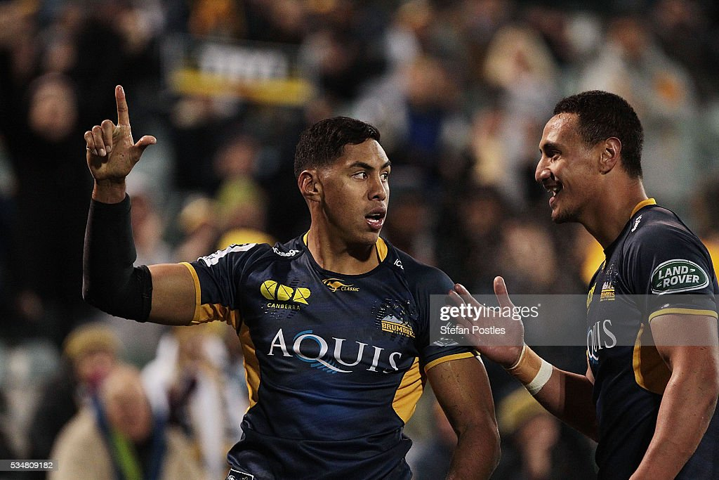 Nigel Ah Wong of the Brumbies celebrates after scoring a try during the round 14 Super Rugby match between the Brumbies and the Sunwolves at GIO Stadium on May 28, 2016 in Canberra, Australia.
