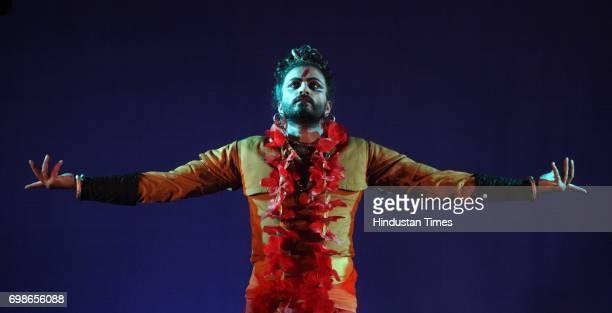 Nigel Akkara performs at in Durga pooja in Powai Mumbai