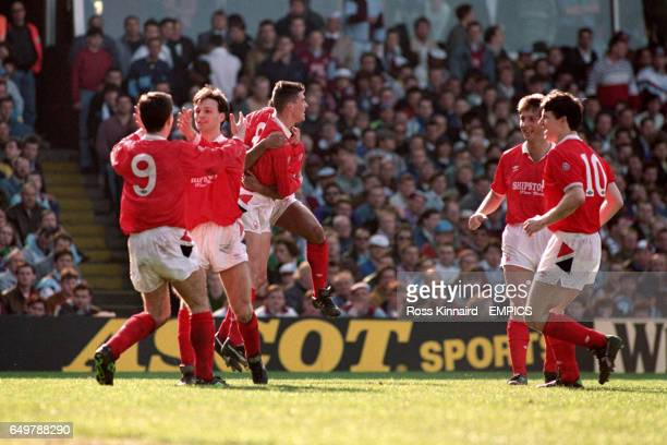 Nigel Clough Gary Crosby Roy Keane Gary Charles Garry Parker and Lee Glover celebrate after Gary Crosby's goal