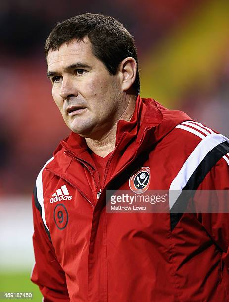 Nigel Clough manager of Sheffield United looks on during the FA Cup First Round Replay match between Sheffield United and Cewe Alexandra at Bramell...
