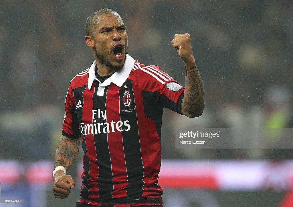 Nigel De Jong of AC Milan celebrates a victory at the end of the Serie A match between AC Milan and Juventus FC at San Siro Stadium on November 25, 2012 in Milan, Italy.