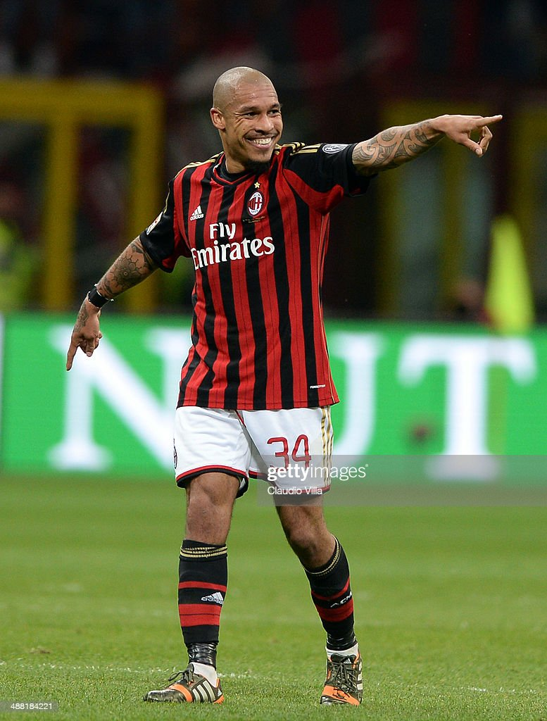 <a gi-track='captionPersonalityLinkClicked' href=/galleries/search?phrase=Nigel+de+Jong&family=editorial&specificpeople=579818 ng-click='$event.stopPropagation()'>Nigel de Jong</a> of AC Milan celebrates scoring the first goal during the Serie A match between AC Milan and FC Internazionale Milano at Stadio Giuseppe Meazza on May 4, 2014 in Milan, Italy.