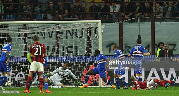 Nigel De Jong of AC Milan scores his goal during the Serie A match between AC Milan and UC Sampdoria at Stadio Giuseppe Meazza on April 12 2015 in...