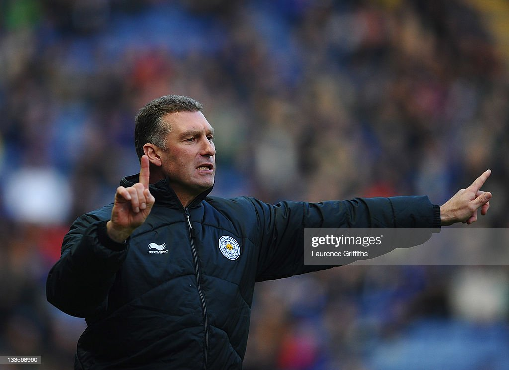 <a gi-track='captionPersonalityLinkClicked' href=/galleries/search?phrase=Nigel+Pearson&family=editorial&specificpeople=2480378 ng-click='$event.stopPropagation()'>Nigel Pearson</a> of Leicester City gives out instuctions during the npower Championship match between Leicester City and Crystal Palace at Walkers Stadium on November 20, 2011 in Leicester, England.
