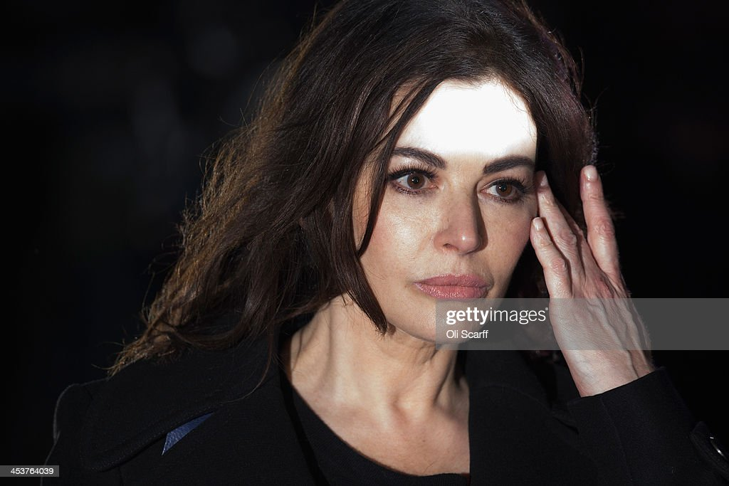 <a gi-track='captionPersonalityLinkClicked' href=/galleries/search?phrase=Nigella+Lawson&family=editorial&specificpeople=209173 ng-click='$event.stopPropagation()'>Nigella Lawson</a> leaves Isleworth Crown Court on December 5, 2013 in London, England. Italian sisters Francesca and Elisabetta Grillo, who worked as assistants to <a gi-track='captionPersonalityLinkClicked' href=/galleries/search?phrase=Nigella+Lawson&family=editorial&specificpeople=209173 ng-click='$event.stopPropagation()'>Nigella Lawson</a> and Charles Saatchi, are accused of defrauding them of over 300,000 GBP.