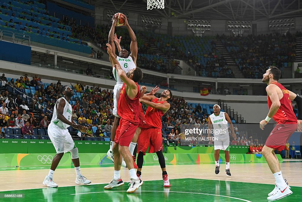 Nigeria's power forward Ike Diogu goes to the basket during a Men's round Group B basketball match between Nigeria and Spain at the Carioca Arena 1...