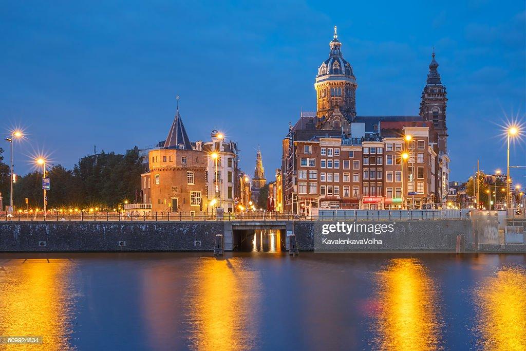 архитектура город страны Базилика Святого Николая Амстердам  № 3712276 загрузить