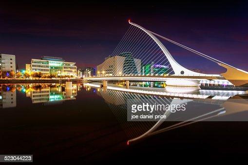 Night at Samuel Beckett Bridge