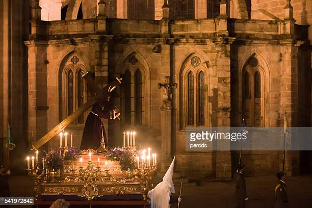 Noche desfile en Semana Santa, Lugo catedral.