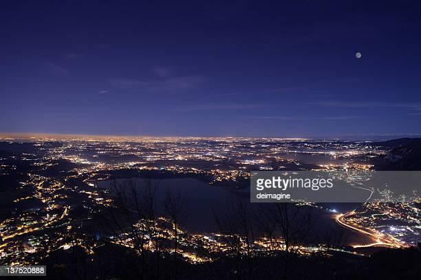 Paesaggio di notte, Milano