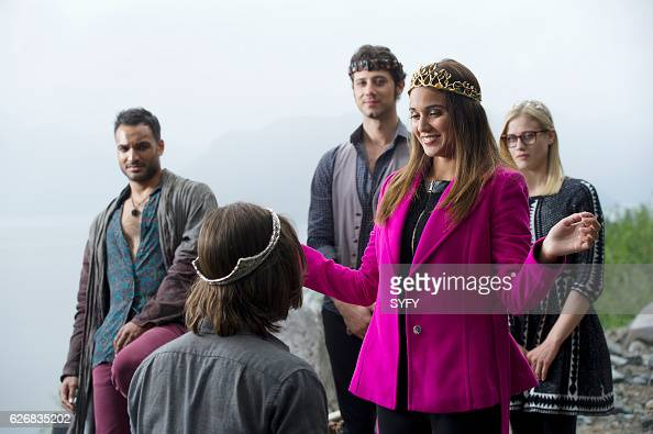 THE MAGICIANS 'Night of Crowns' Episode 201 Pictured Arjun Gupta as Penny Hale Appleman as Eliot Summer Bishil as Margo Olivia Taylor Dudley as Alice