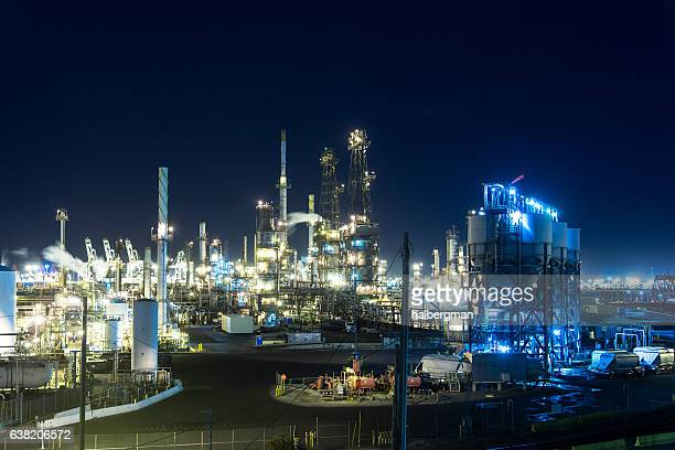 night-oil-refinery-lights-picture-id6382