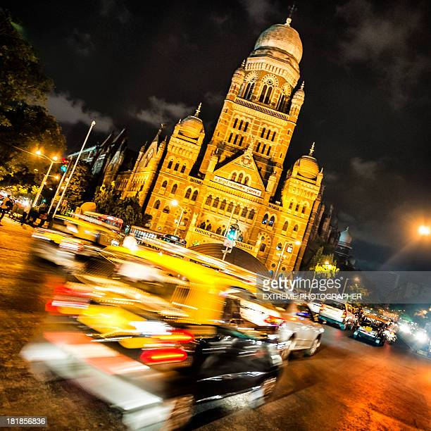 Night traffic in Mumbai
