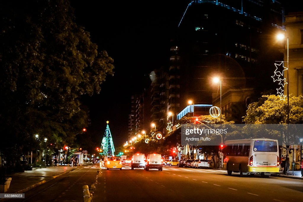 Night view of a main street in the city of Cordoba