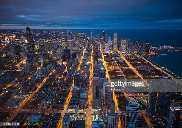 Night view of Chicago seen from above