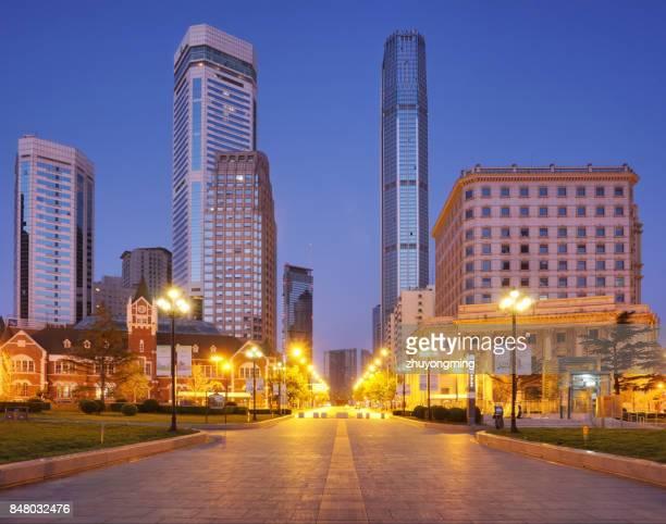 Night view of Dalian Zhongshan Square