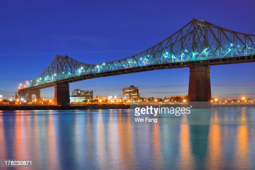 Night view of Jacques Cartier Bridge in Montreal