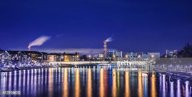 Nacht über Basel und Blick auf den Rhein