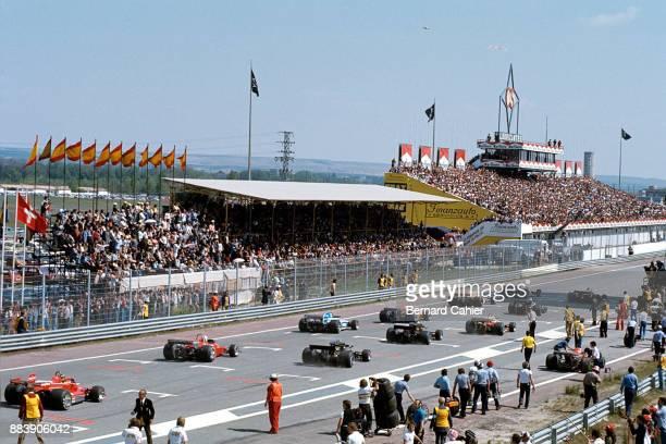 Niki Lauda James Hunt Ferrari 312T2 McLarenFord M23 Grand Prix of Spain Circuito del Jarama 02 May 1976 Niki Lauda and James Hunt on the front row at...