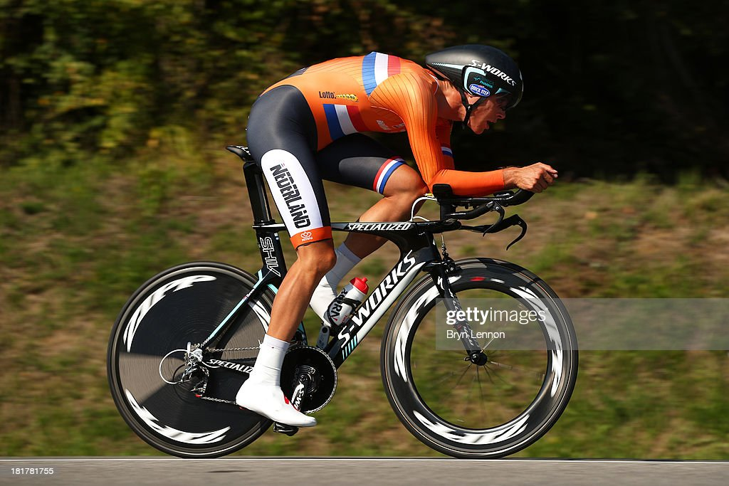 <a gi-track='captionPersonalityLinkClicked' href=/galleries/search?phrase=Niki+Terpstra&family=editorial&specificpeople=609813 ng-click='$event.stopPropagation()'>Niki Terpstra</a> of the Netherlands in action during the Elite Men's Time Trial, from Montecatini Terme to Florence on September 25, 2013 in Florence, Italy.