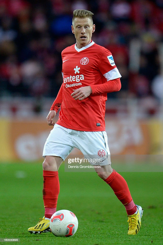 Niki Zimling of Mainz controls the ball during the Bundesliga match between 1. FSV Mainz 05 and FC Bayern Muenchen at Coface Arena on February 2, 2013 in Mainz, Germany.