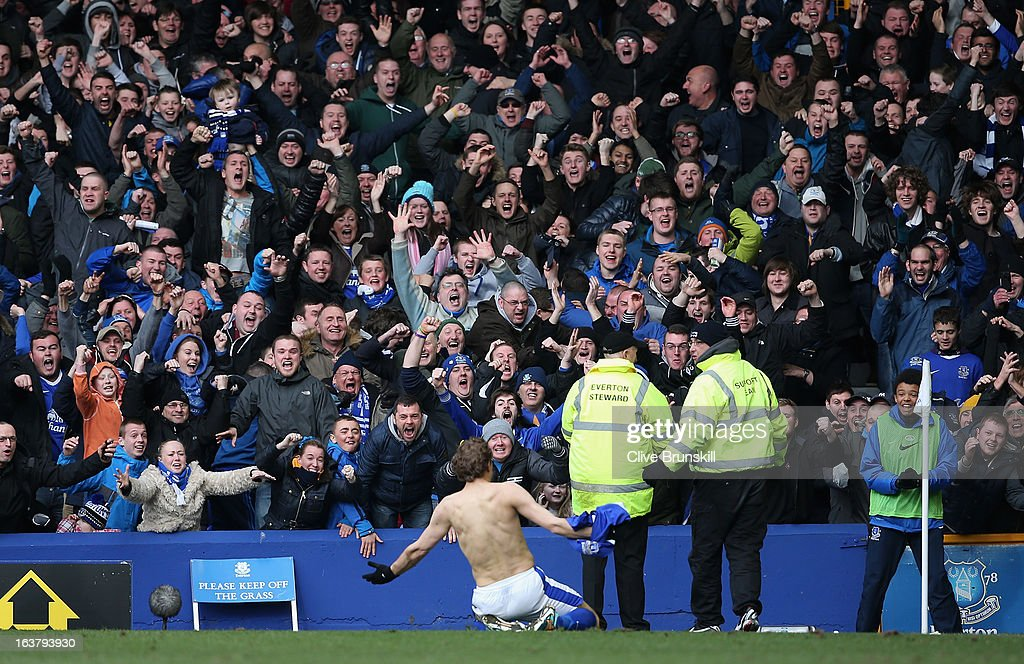 <a gi-track='captionPersonalityLinkClicked' href=/galleries/search?phrase=Nikica+Jelavic&family=editorial&specificpeople=5986831 ng-click='$event.stopPropagation()'>Nikica Jelavic</a> of Everton celebrates scoring the second goal during the Barclays Premier League match between Everton and Manchester City at Goodison Park on March 16, 2013 in Liverpool, England.