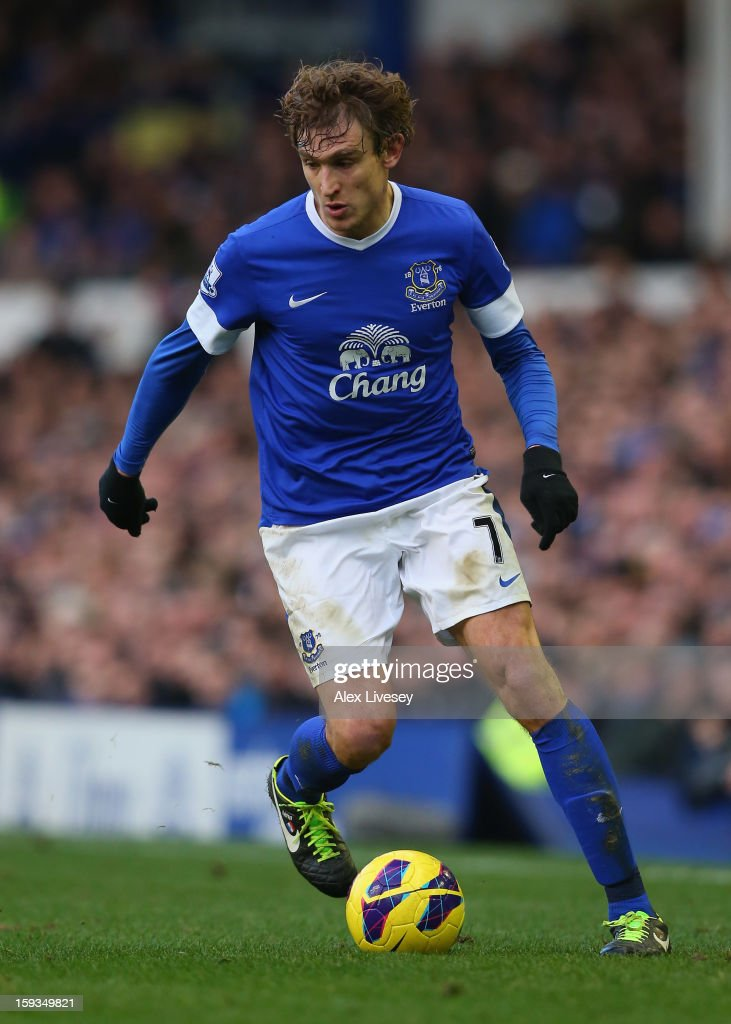 <a gi-track='captionPersonalityLinkClicked' href=/galleries/search?phrase=Nikica+Jelavic&family=editorial&specificpeople=5986831 ng-click='$event.stopPropagation()'>Nikica Jelavic</a> of Everton controls the ball during the Barclays Premier League match between Everton and Swansea City at Goodison Park on January 12, 2013 in Liverpool, England.