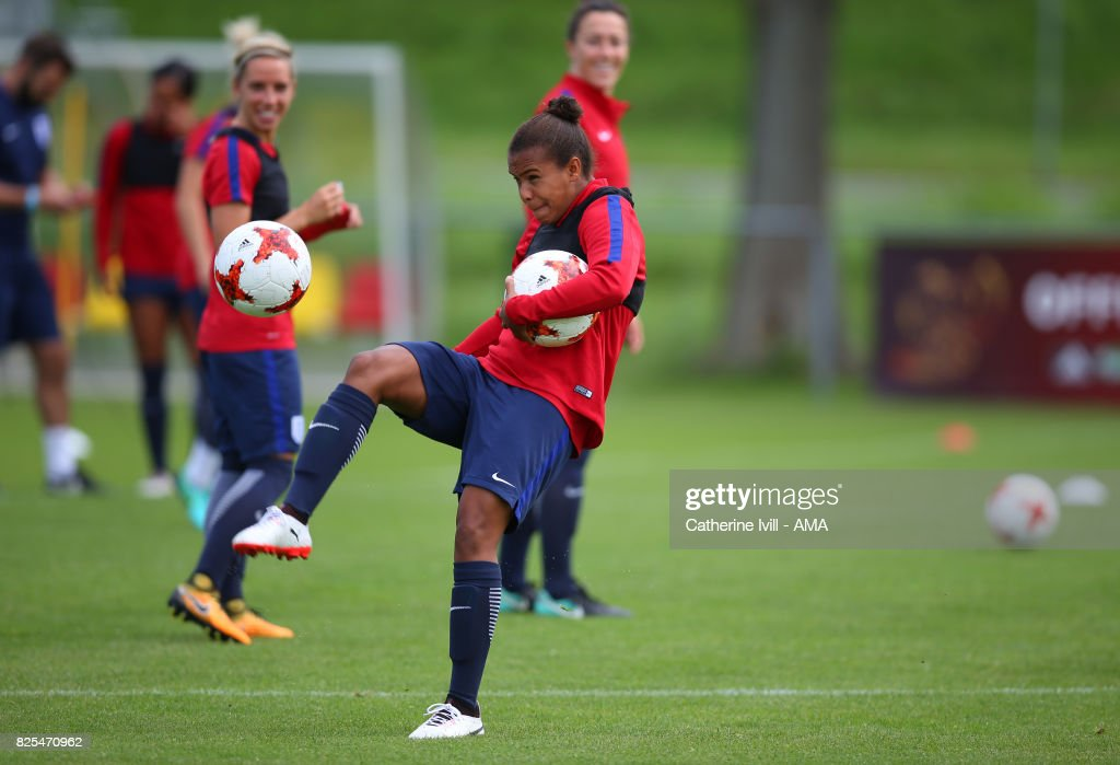 England Training Session - UEFA Women's Euro 2017