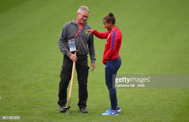 Nikita Parris of England Women talks to the ground staff before the UEFA Women's Euro 2017 match between England and Spain at Rat Verlegh Stadion on...