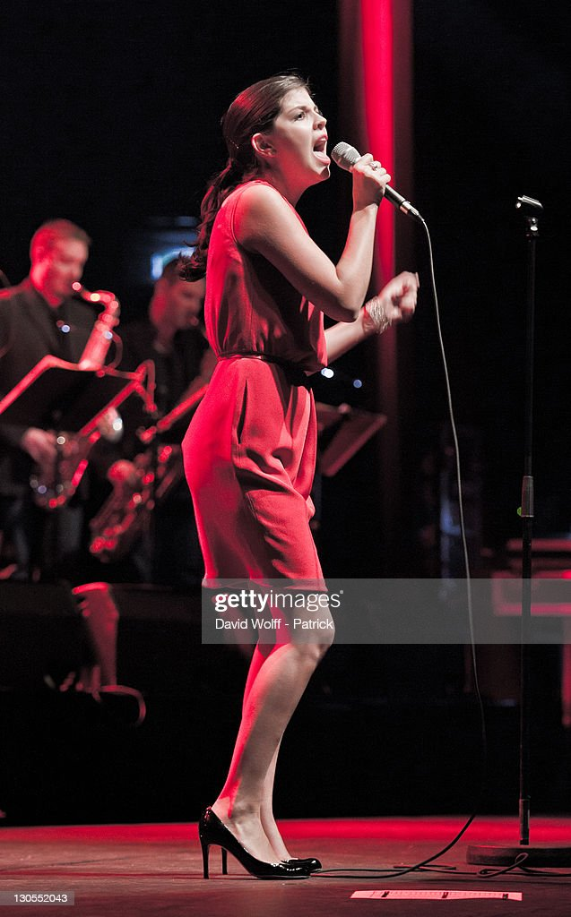 Nikki Yanofsky performs at L'Olympia on October 26 2011 in Paris France