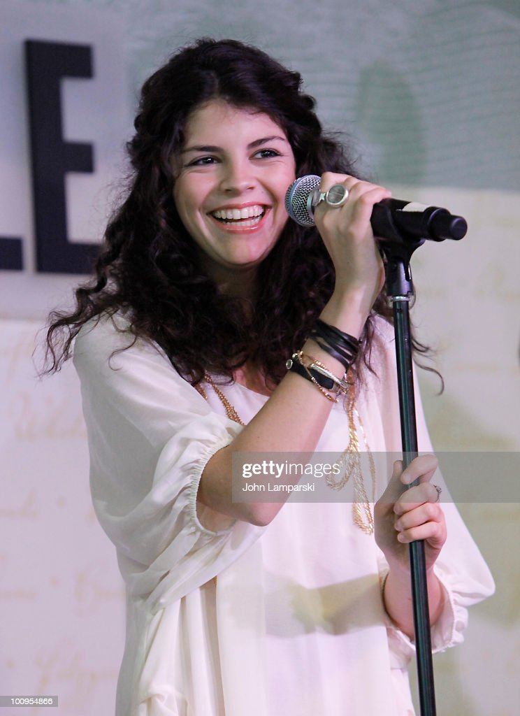 Nikki Yanofsky promotes her debut album 'Nikki' at Barnes Noble Lincoln Triangle on May 25 2010 in New York City