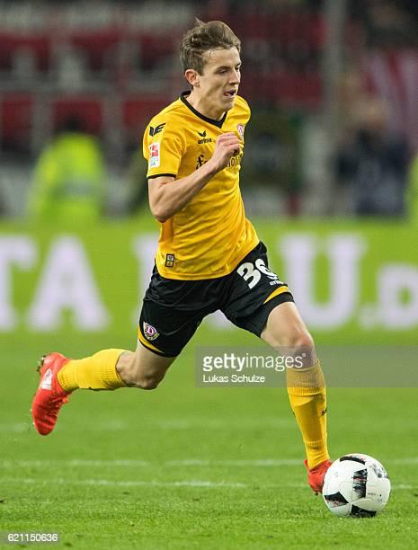 Niklas Hauptmann of Dresden in action during the Second Bundesliga match between Fortuna Duesseldorf and SG Dynamo Dresden at EspritArena on November...