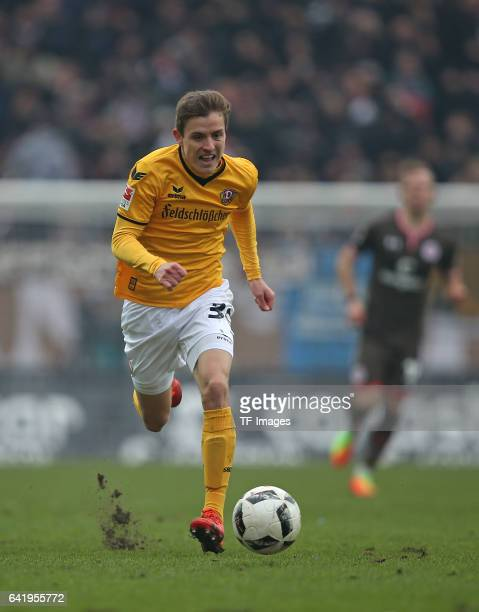 Niklas Hauptmann of Dynamo Dresden controls the ball during the Second Bundesliga match between FC St Pauli and SG Dynamo Dresden at Millerntor...