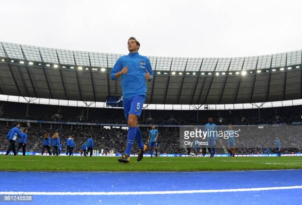 Niklas Stark of Hertha BSC before the game between Hertha BSC and Schalke 04 on october 14 2017 in Berlin Germany