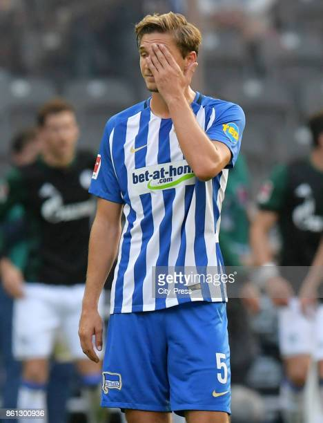 Niklas Stark of Hertha BSC during the game between Hertha BSC and Schalke 04 on october 14 2017 in Berlin Germany